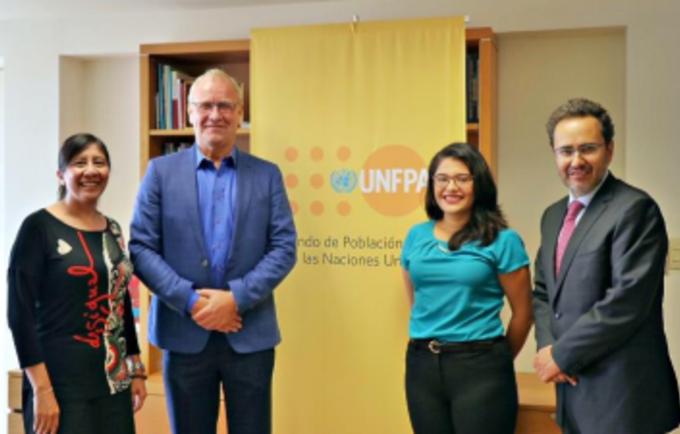 La ocasión contó con la presencia y participación del Sr. Arie Hoekman, Marcela González, Sr. Víctor Manuel Frías, Elba Gutiérrez Castillo