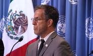 Embajador de Buena Voluntad, Kenneth Cole visita México para aumentar la visibilidad de la respuesta al VIH sida